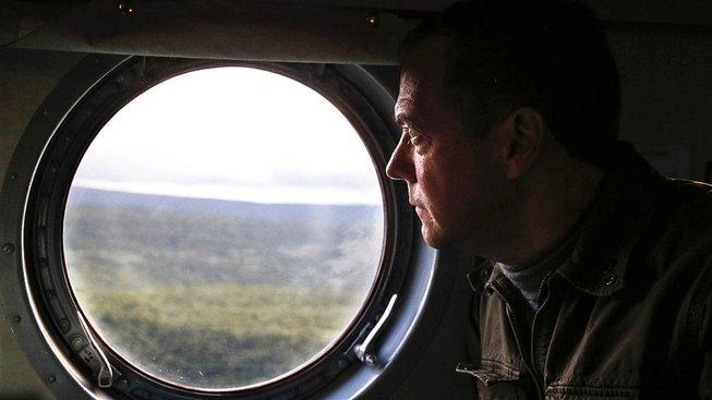 Ruský premiér Dmitrij Medveděv na návštěvě kurilského ostrova Iturup v srpnu 2015