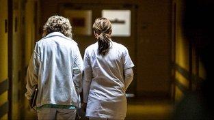 Zdravotní sestry už nemusí absolvovat vysokou školu, budou mít i snazší návrat do praxe
