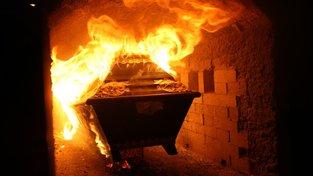 Sněmovna zpřísnila podmínky pro  podnikání v pohřebnictví