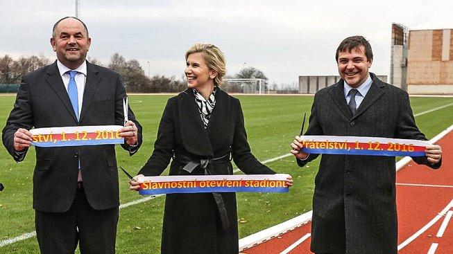 Pelta, Valachová a Březina při slavnostním otevření stadionu Přátelství
