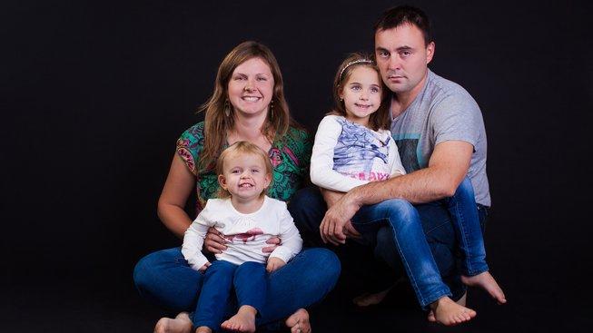 Paní Barbora se svou rodinou v listopadu 2016
