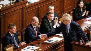 Zeman by jako prezident neměl chránit ani koaliční smlouvu, ani Babiše, ale především ústavu
