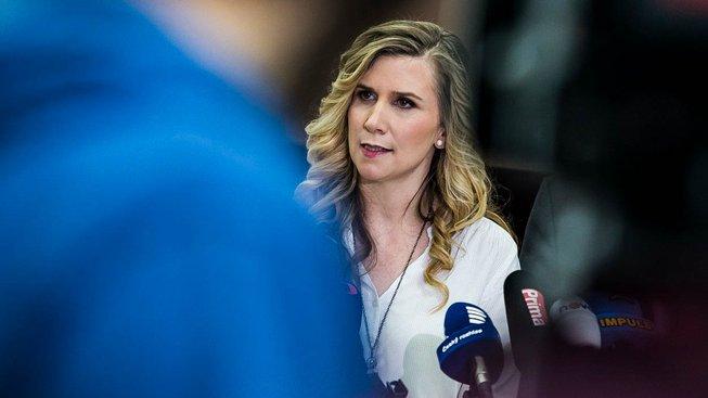 Valachová rezignovala kvůli dotačnímu skandálu s Peltou a její náměstkyní