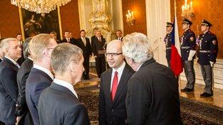 Prezident Zeman se Sobotkovým kabinetem při jeho jmenování