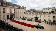 Elysejský palác šel prezidentům většinou na nervy