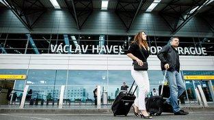 Na letišti teď pasažéry zkontrolují doslova detailně. Obsluha bude hledat stopy výbušnin v zavazadlech