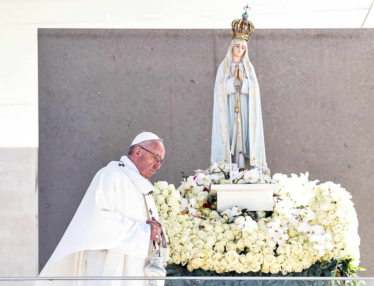 Zázrak nebo výmysl katolických intelektuálů? Sto let od zjevení ve Fátimě