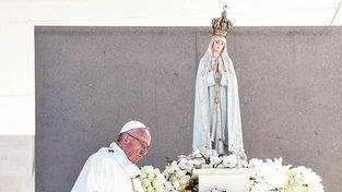Papež František a Panna Marie z Fátimy