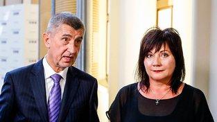 Andrej Babiš s náměstkyní Alenou Schillerovou, jejíž nominaci premiér odmítá