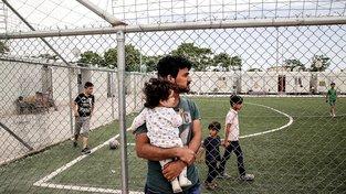 Obyvatelé Eleonas, největšího uprchlického tábora v Athénách