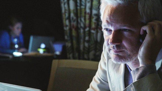 Julian Assange strávil na ekvádorské ambasádě v Londýně 5 let