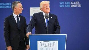 Stoltenberg a Trump v Bruselu
