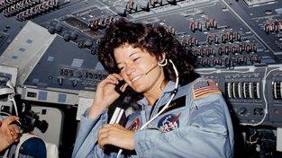 Astronautka Sally Rideová na své první vesmírné misi