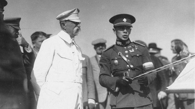 Generál Vojcechovský s prezidentem Masarykem