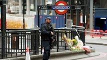 Češi nejsou mezi oběťmi v Londýně. Přitvrdíme, vzkázala Mayová teroristům