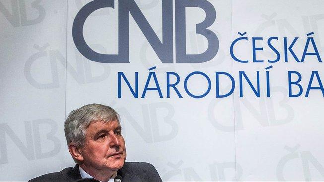 Šéf Česká národní banky a expremiér Jiří Rusnok zkritizoval poslance kvůli debatě ohledně regulace hypoték