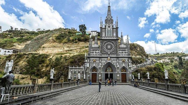 Majestátní katedrála v Las Lajas vznikla v první polovině 20. století