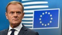 Jak to dopadne s právy občanů EU v Británii? Tuskovi se návrh Mayové nelíbí