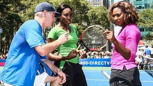 John McEnroe vede se sestrami Williamsovými válku o ženském tenise