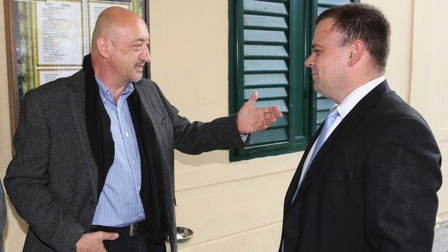 Poslanec Milan Šarapatka (vlevo) nebyl vpuštěn na Ukrajinu