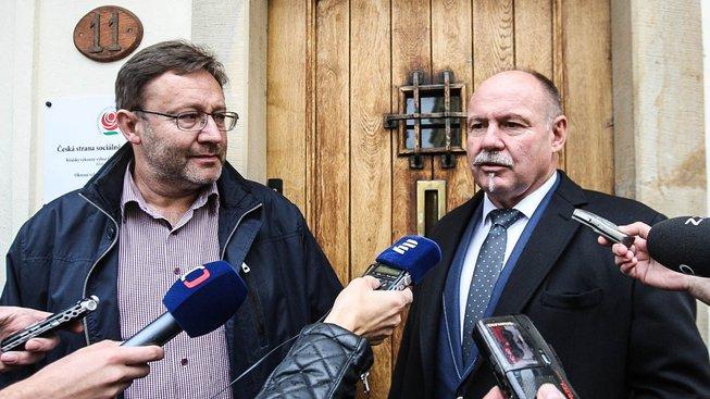 Ladislav Okleštěk vpravo