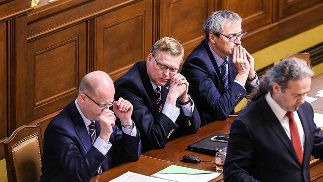 Neúspěšné vládní návrhy se kupí ve sněmovně. V týdnu ztroskotaly další dva