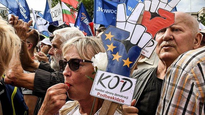 Proti reformě protestovali také sami Poláci