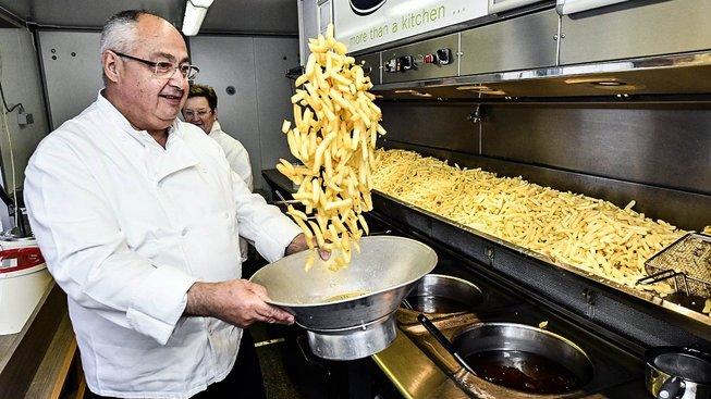 Vydrží český hostinský, aby mu Brusel strkal nos do kuchyně?