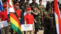 V Moskvě byly zahájen třetí ročník Mezinárodních armádních her. Reprezentace Ruska, Číny, Íránu, Srbska a dalších 24 zemí budou bojovat o tituly na zemi, ve vodě a ve vzduchu