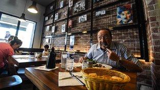 Restaurace se pyšní i tematickou výzdobou