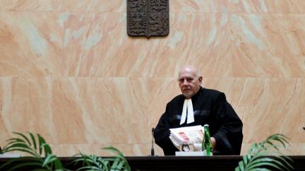 Rychetský i soudce Filip vylučují další funkční období u Ústavního soudu