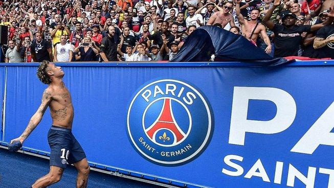 Neymar s fanoušky Paris St. Germain