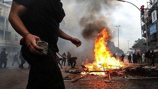 Levicoví extremisté sílí, hlásí ministerstvo. Některé zatkli i při protestech v Hamburku