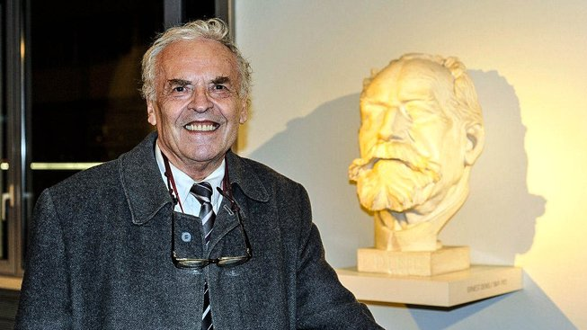 Karel Srp vyzval premiéra Bohuslava Sobotku, aby dokázal jeho spolupráci s StB
