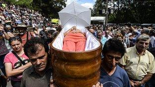 Pohřební pochod v Santa Marta de Ribarteme