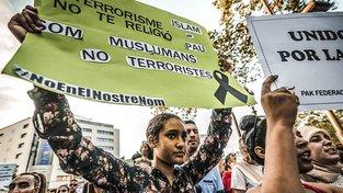 Muslimové odsuzující teroristické útoky v Cambrils a v Barceloně