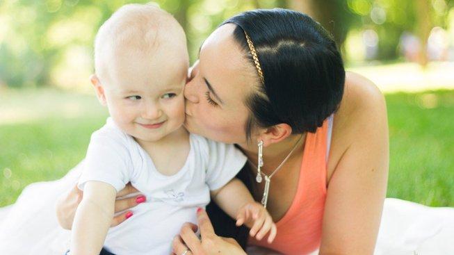 Mateřská dovolená není typická dovolená, ale dá se při ní i snadno ušetřit