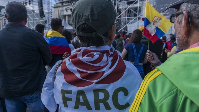 Růže místo samopalů: Povstalci jdou do politiky