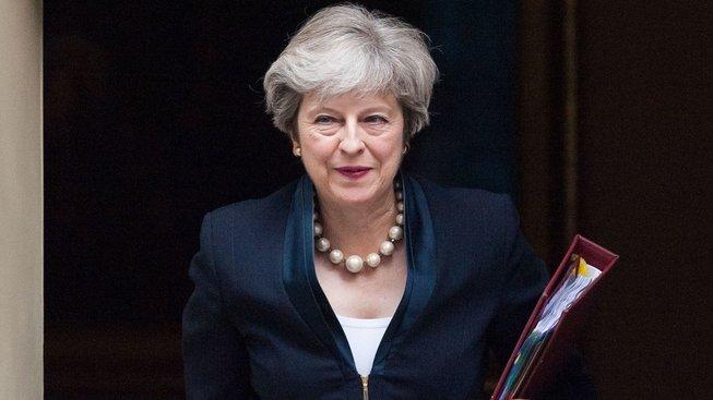Britská premiérka Theresa Mayová prohlásila, že Britové prý chtějí vidět, že je migrace regulována