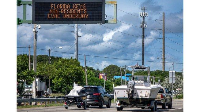 Úřady ve čtvrtek nařídily evakuaci, hurikán by měl do Miami dorazit o víkendu