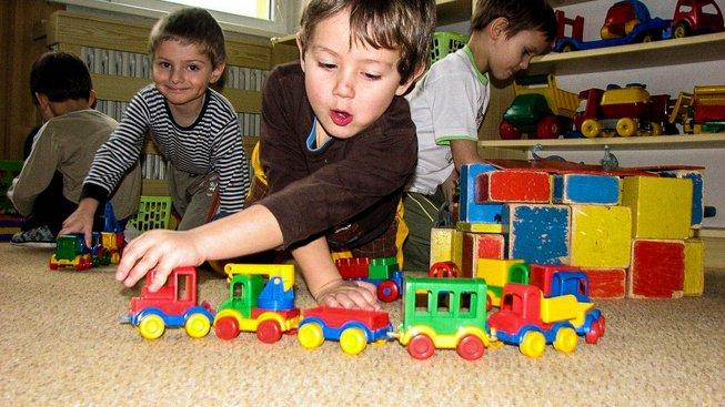 Nová koncepce rodinné politiky slibuje i bezplatné školky a jesle