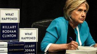 Hillary Clintonová na autogramiádě své nové knihy