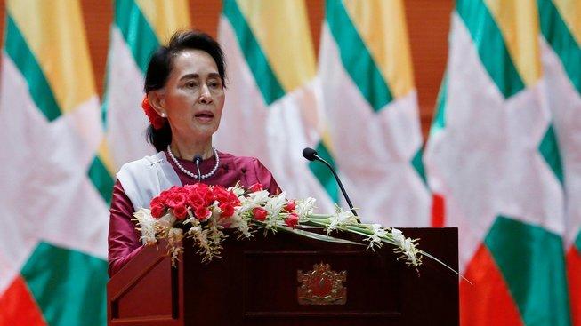 Su Ťij čelí kritice za svůj postoj k situaci menšiny Rohingů