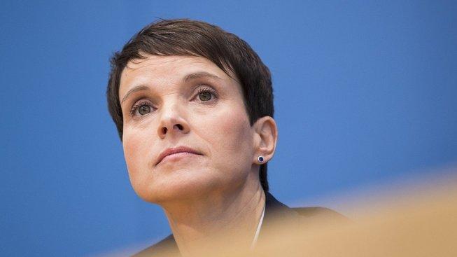 Předsedkyně AfD Frauke Petryová opouští stranu