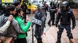 Zasahující španělská policie