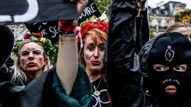 Záříjová pařížská demonstrace za právo na interrupci
