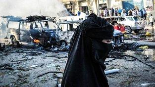 Místo prvního útoku, nákladní vůz vybuchl poblíž budovy ministerstva zahraničí