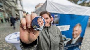 Bývalý šéf Škodovky sbírá i hlasy mimo řady poslanců