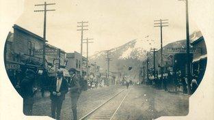 Zlatokopecké městečko Skagway, 1904. Město bylo založeno v roce 1897