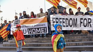 Také Katalánci v Londýně protestovali proti krokům španělské vlády